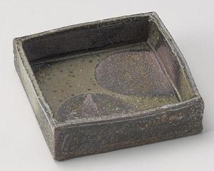 灰釉ボタモチ四角鉢