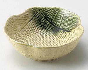 黄瀬戸織部吹梅型5.0鉢