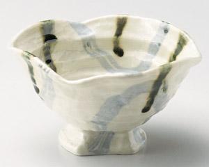 呉須織部遊び変形高台小鉢