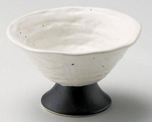 白釉黒浜高台小鉢