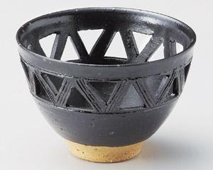 黒織部透し小鉢
