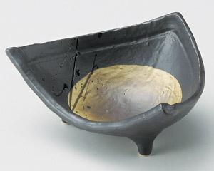 黒釉満月三角小鉢