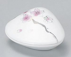 錦桜絵貝型珍味入