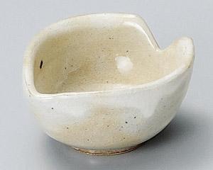 手造り粉引花びら珍味鉢