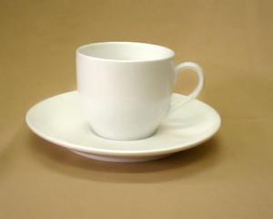 強化磁器コーヒーカップと受皿(ダイアセラム)