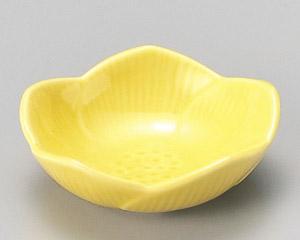 黄釉花型6.5cm珍味