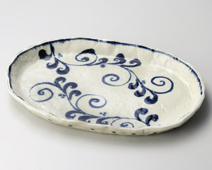 安南花紋楕円大盛皿(手造り)