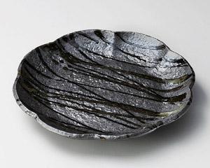 黒織部流し8.5花型皿
