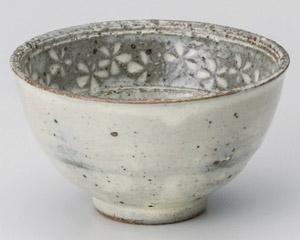 黄釉花三島茶碗
