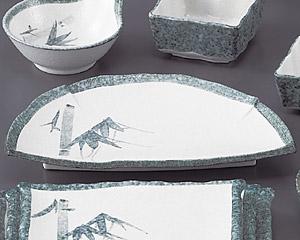 グリーン淡雪笹半月天皿