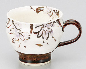 アメ釉花紋マグカップ